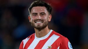 Manchester City Pinjamkan Roberts Ke Girona
