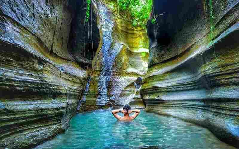 Indah dan Menawan, Ini 5 Rekomendasi Wisata Air Terjun Yang Ada Di Jawa Barat
